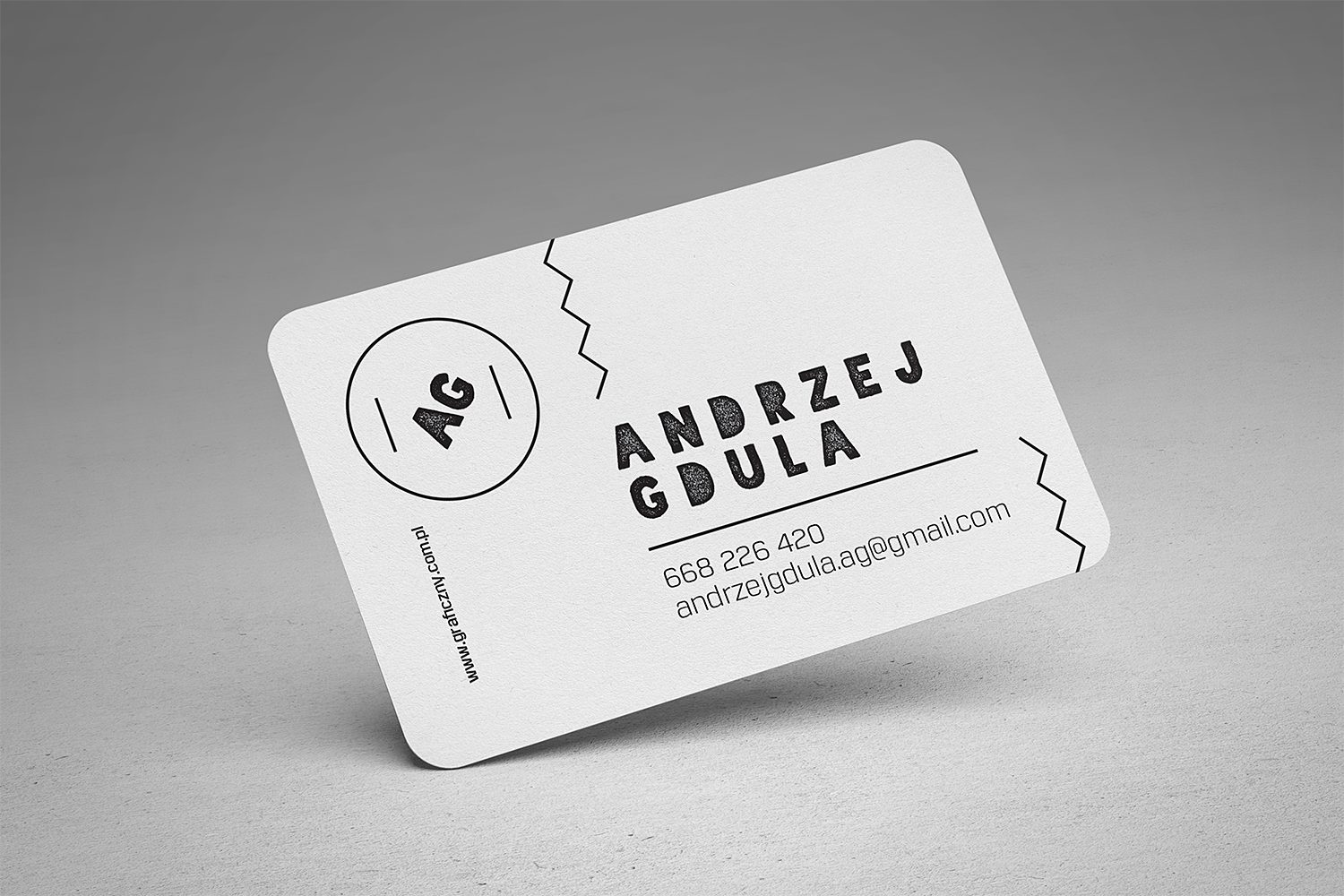Free Rounded Business Cards Mockup