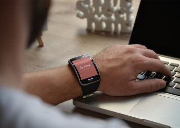 3 PSD Smartwatch Mockup