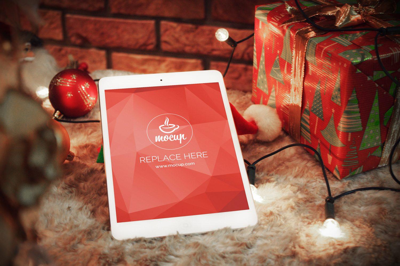 Free iPad Mockup Xmas