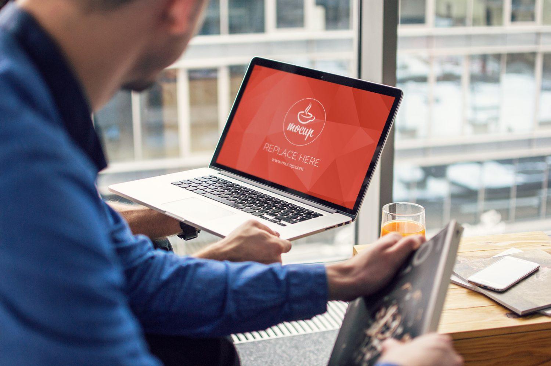 Free Mockup Macbook Brainstorming
