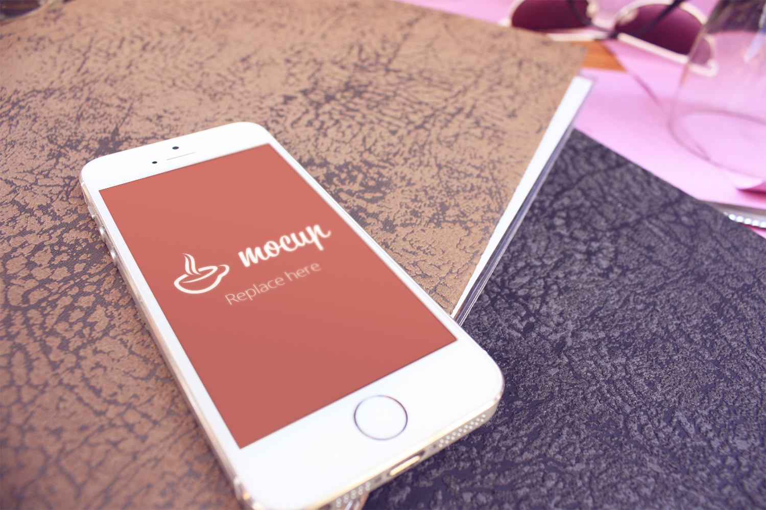 Free iPhone 5S Mockup Per Favore