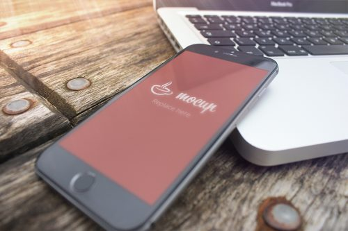 Free iPhone 6 Mockup Pier