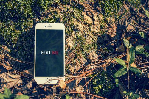 Outdoor iPhone Mockup PSD