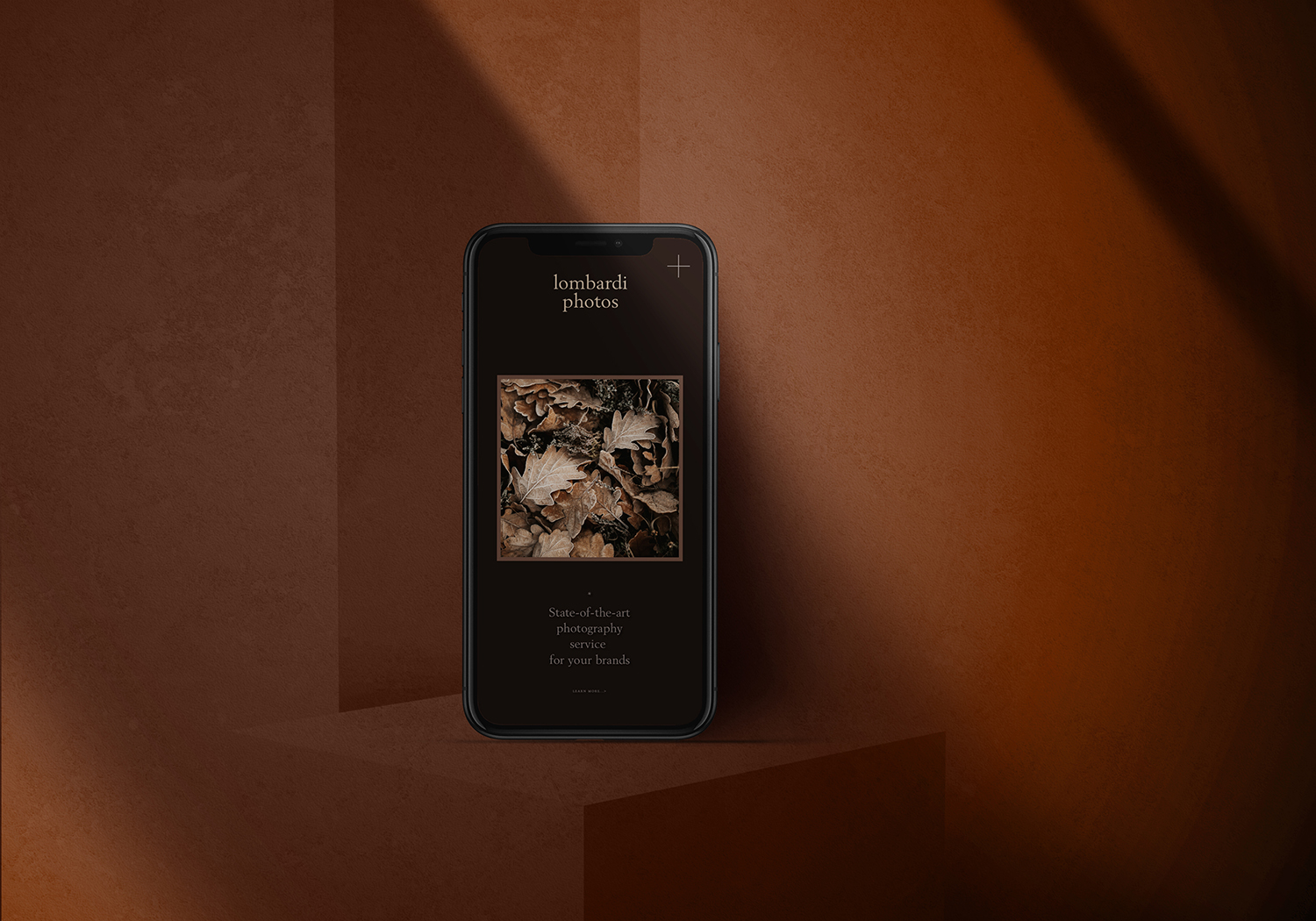 iPhone 6 PSD Mockup Dark Background