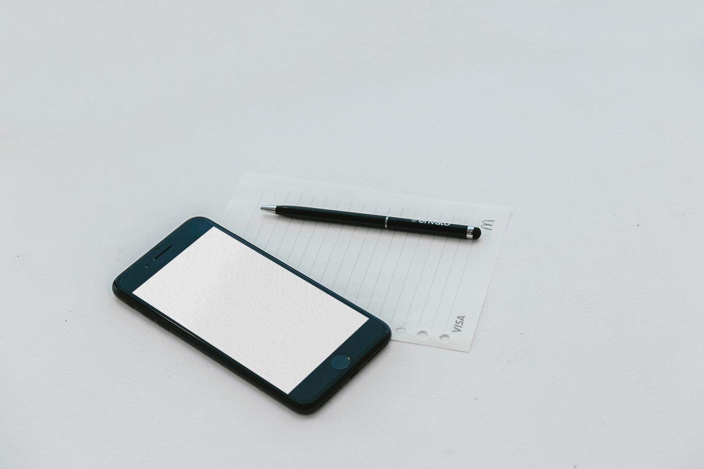 iPhone 7 Realistic PSD Mockups