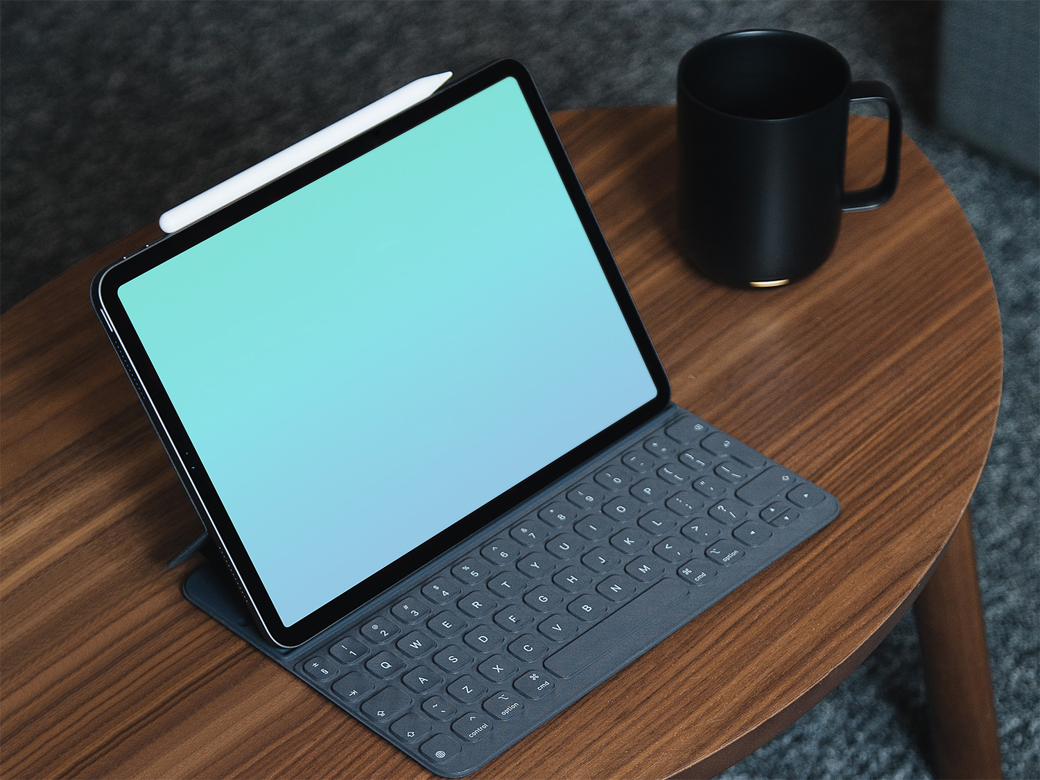 Free New iPad Pro Mockup with Keyboard